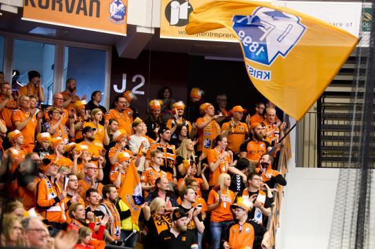 Hejaklacken Södra Kurvan under match.