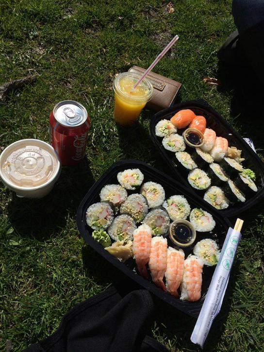 Inköpt sushi. Dags för lunch!
