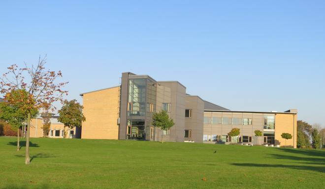 Sundsgymnasiets byggnad - Bryggan